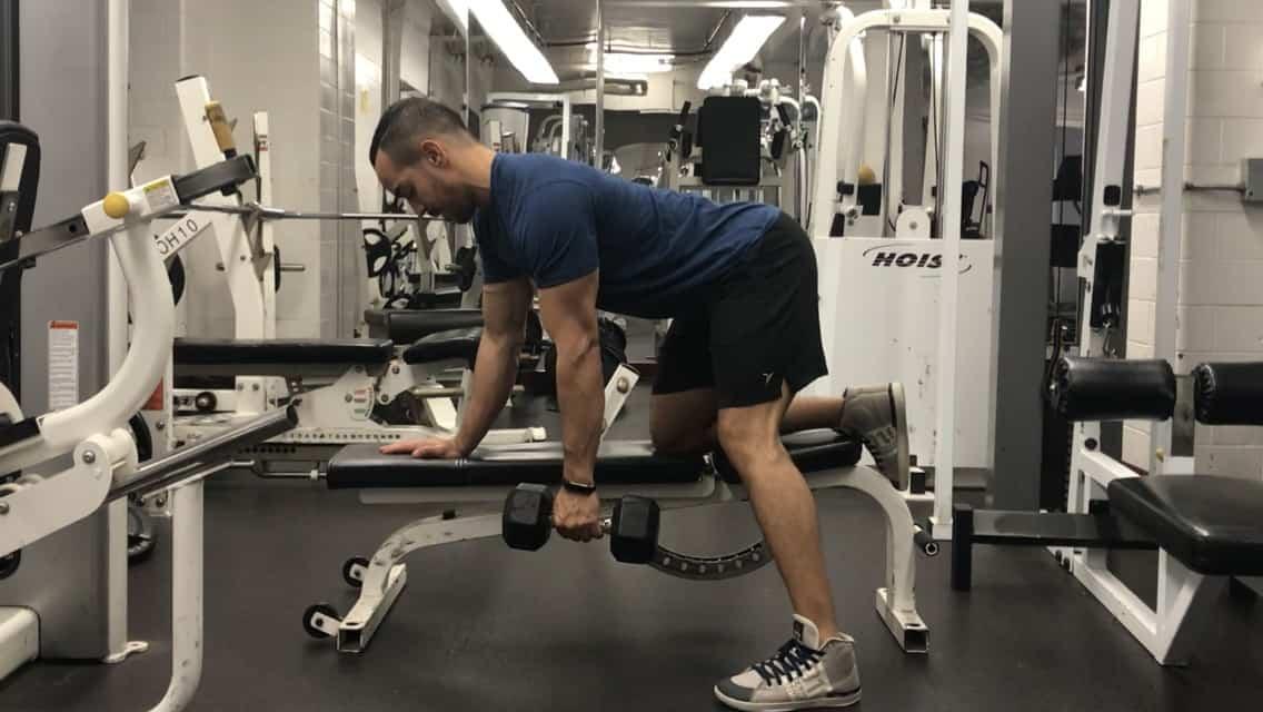 single-arm-dumbbell-row-form