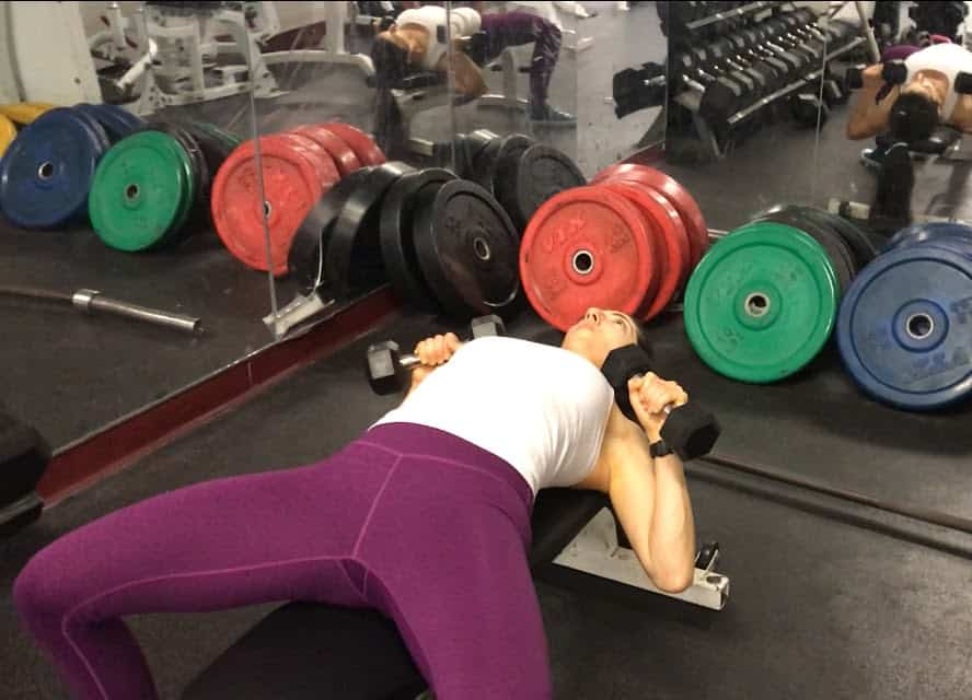 How To Do Dumbbell Bench Press Correctly And Safely The